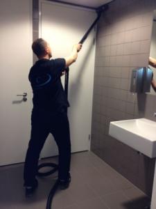Voor dieptereiniging sanitair van uw openbare toiletten Mam's Cleaning & Services