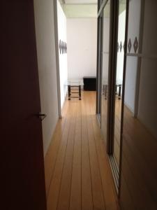 Mam's Cleaning & Services expatwoningen schoonmaak hallen en gangen